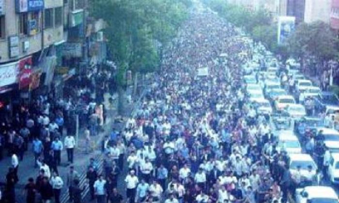 Bu gün Güney Azərbaycanda baş vermiş may üsyanından 14 il ötür.